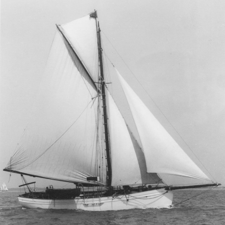 Tally Ho sailing, port tack.